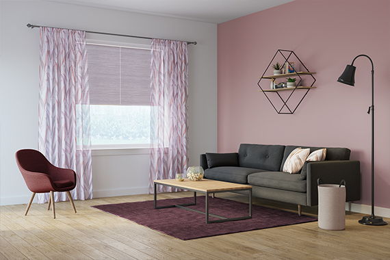 Gardine Relax Sheer in berry aus der Indes Kollektion Soft Breeze.