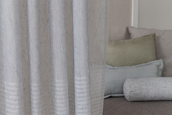 Dekorationsstoff Riano in stone aus der Indes Kollektion Soft Breeze.